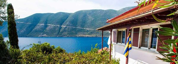Villa Delfini in Vasiliki - Lefkada. Book your apartment now with the owner.